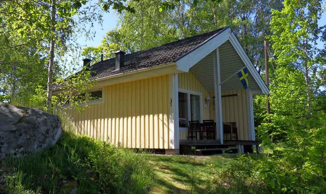 Mienstugan. Hütte am See Mien im südlichen Småland mit Aussicht ...